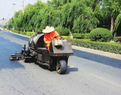 路面养护维修